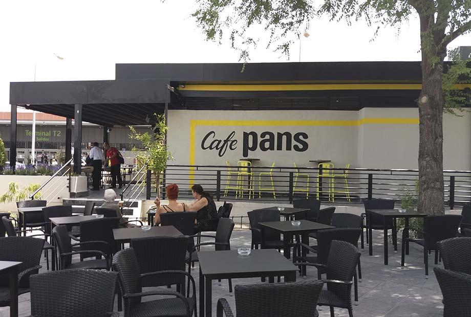 Exterior de la Franquicia Café Pans en Barajas
