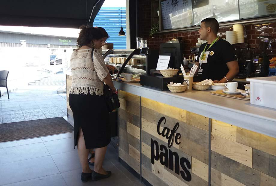 Interior de la Franquicia Café Pans en Barajas
