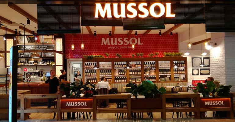 Grupo Ibersol abre un establecimiento Mussol en el Aeropuerto de Barcelona